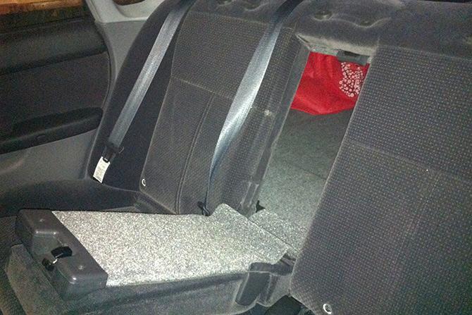 Как выбраться из багажника машины багажника, можете, попробуйте, найти, багажнике, большинстве, выбить, стороны, чтобы, кабель, использовать, стоит, выбраться, поэтому, сложнее, изнутри, которые, центру, заднюю, крышке