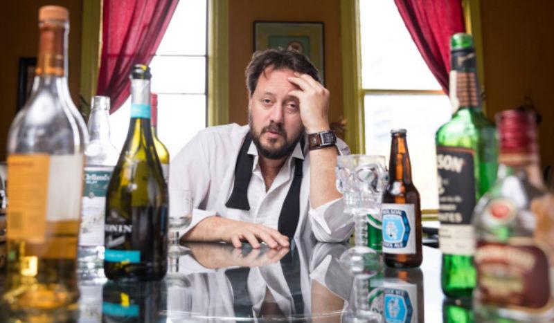Профессор из Канады 10 лет пьянствовал без перерыва , чтобы найти лучшее средство от похмелья Отдых