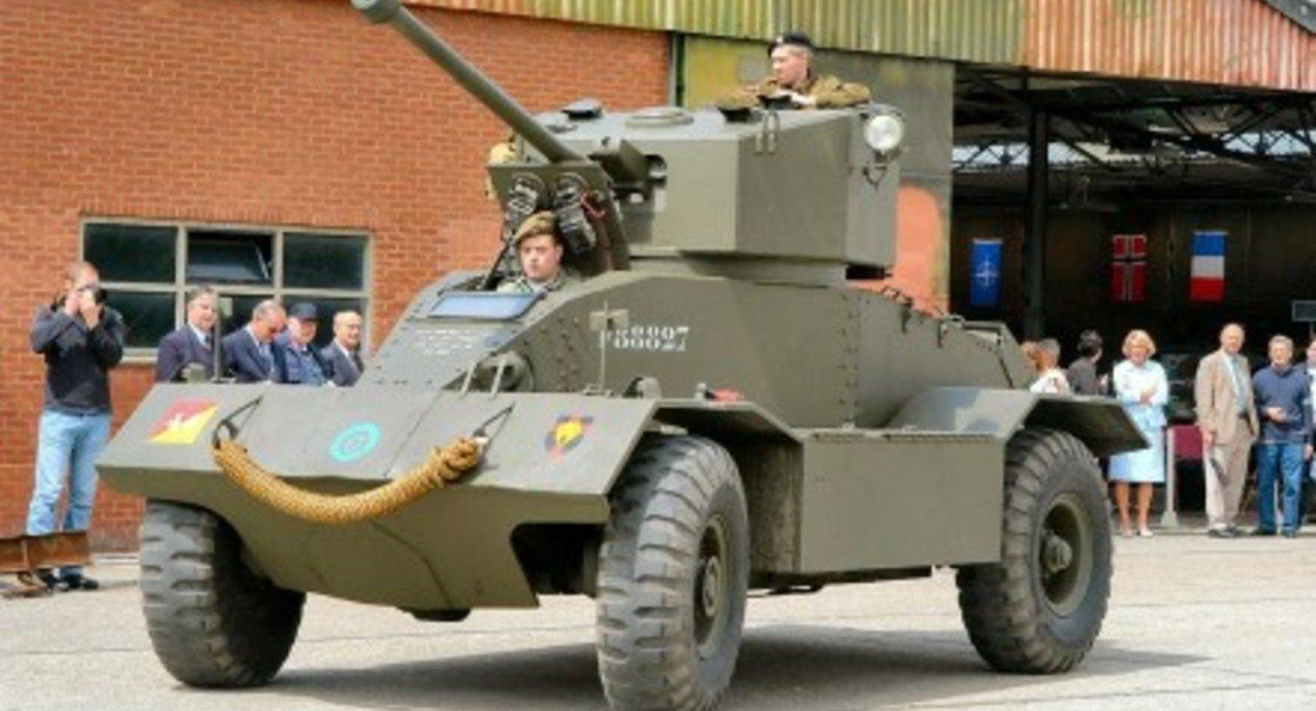 AEC — броневик, который считался танком Автомобили