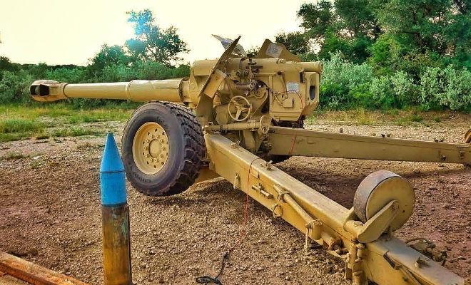Палим из старой советской пушки: раритет попал в руки стрелка