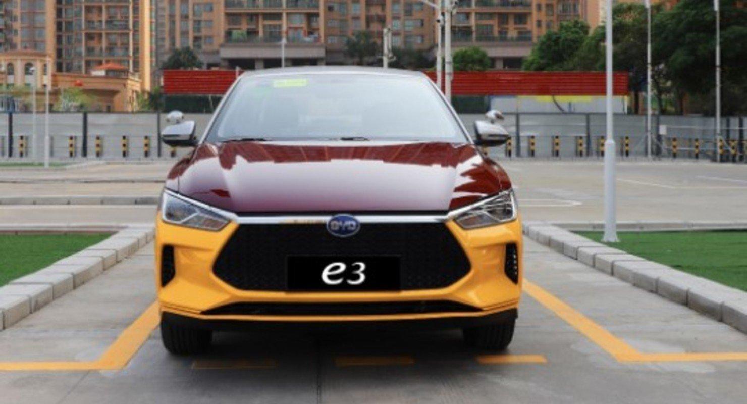 Китайский электрокар BYD e3 для автошкол за 1 500 000 руб. получил имитацию «механики» Автомобили