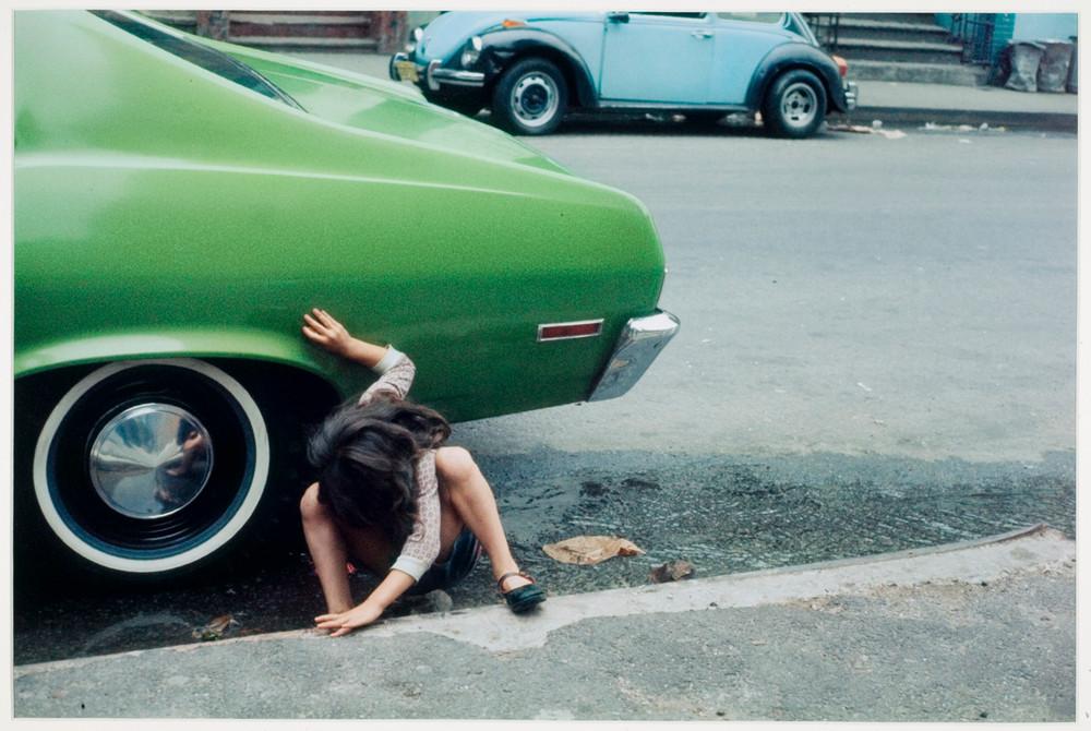 Уличная жизнь Нью-Йорка с 1930-х до 80-х годов в фотографиях Элен Левитт 6