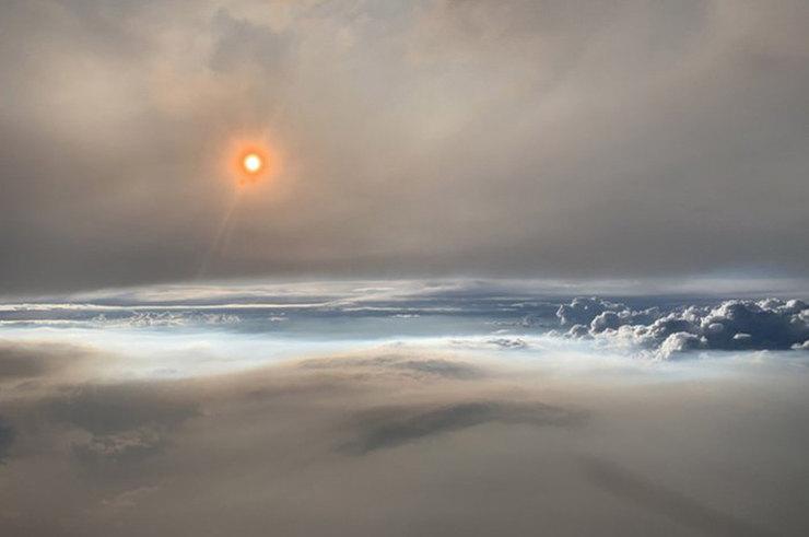 В NASA сфотографировали редкое явление - «огненные» облака