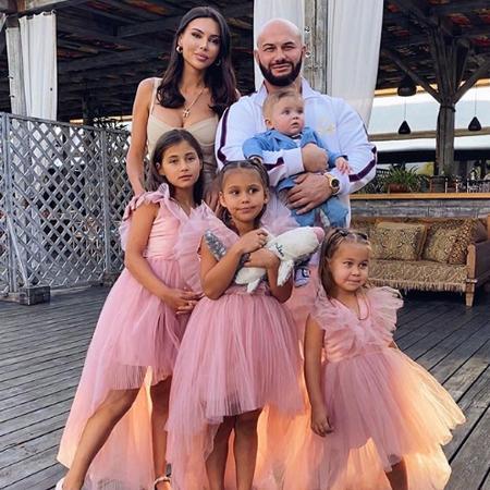 Джиган отметил 35-летие с Оксаной Самойловой и детьми на вечеринке в Москве Звезды,Новости о звездах