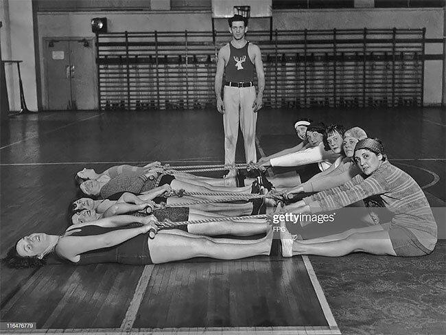 13. Тренировка в спортивном центре Philadelphia Elks, 1930 год винтаж, интересно, исторические кадры, исторические фото, история, ретро фото, старые фото, фото