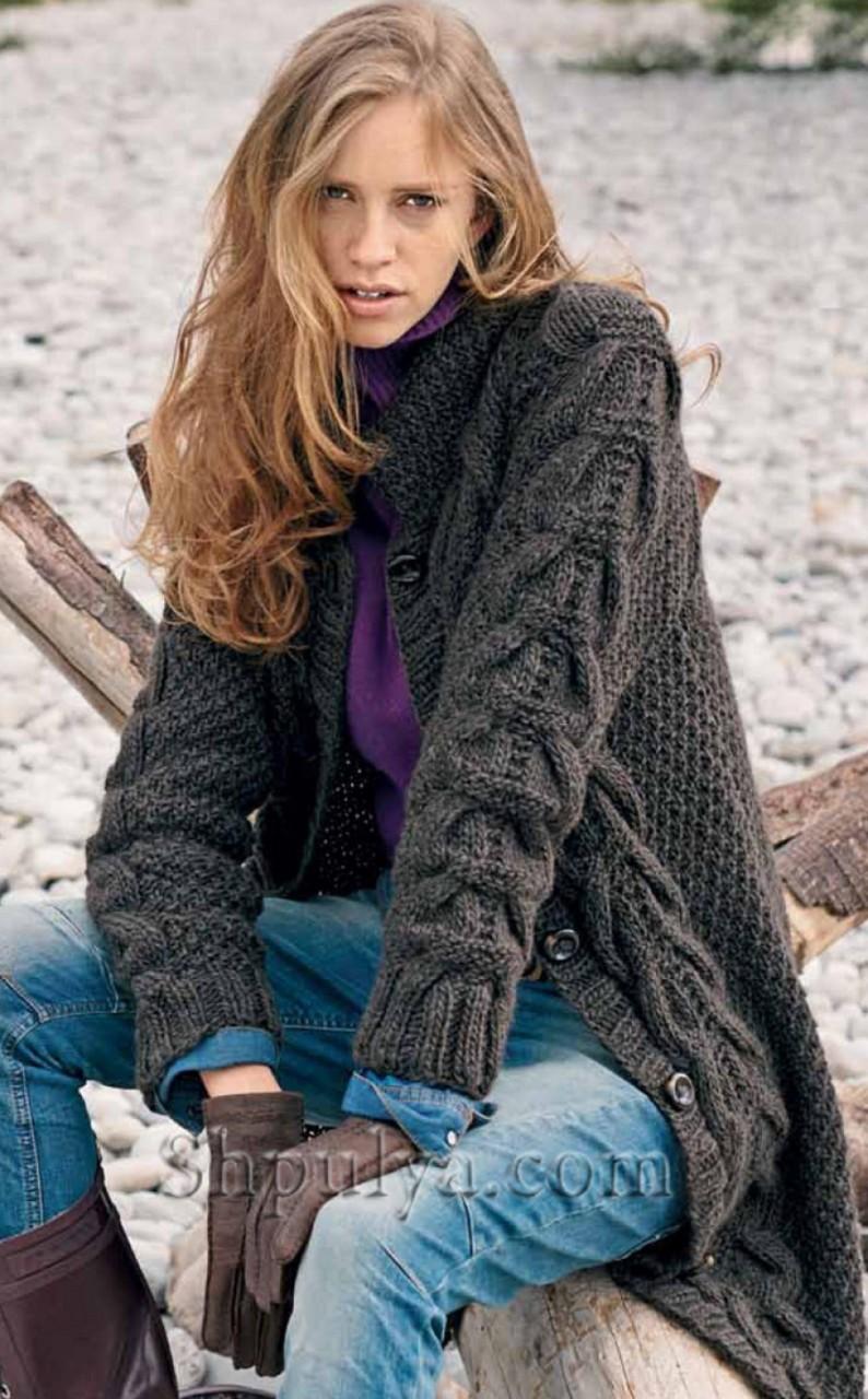 Пальто с оригинальными косами спицами