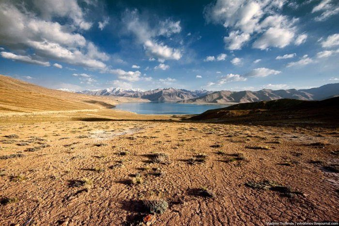 4 километра над уровнем моря: чёрное озеро Каракуль одним, метров, высоте, озера, озеро, немалые, квадратных, километров, считается, крупнейших, такой, Примечательно, максимальная, глубина, составляет, Несмотря, учетом, потрясающий, горькосоленая, течение