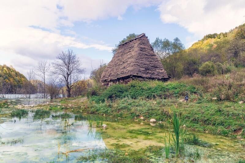 Джамана — деревня под водой деревни, Джамане, Джаману, ядовитого, озера, шахта, около, Джамана, некоторых, захотели, семей, Несколько, сантиметров, примерно, растет, Уровень, гектаров, достигает, затопившего, 11000