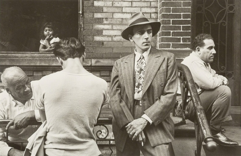 Уличная жизнь Нью-Йорка с 1930-х до 80-х годов в фотографиях Элен Левитт 47