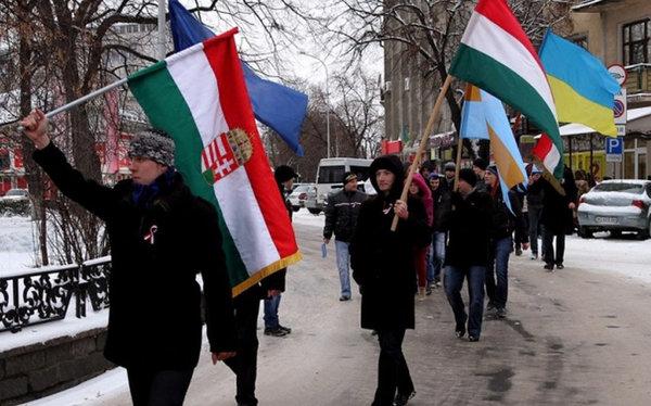 Венгрия потребовала от Украи…