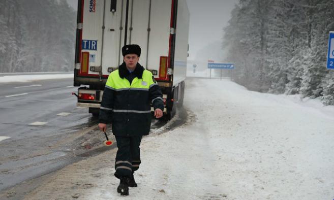 Чемодан евро на оплату штрафа: батюшка из РФ удивил белорусов