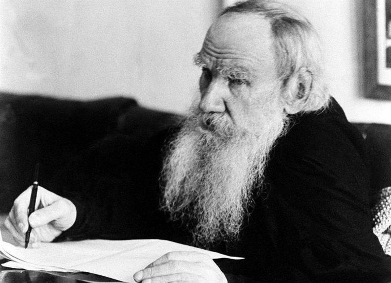 Михаил Поляков. Лев Толстой умер – а власть, разоблаченная им беспощадно, по сей день жива