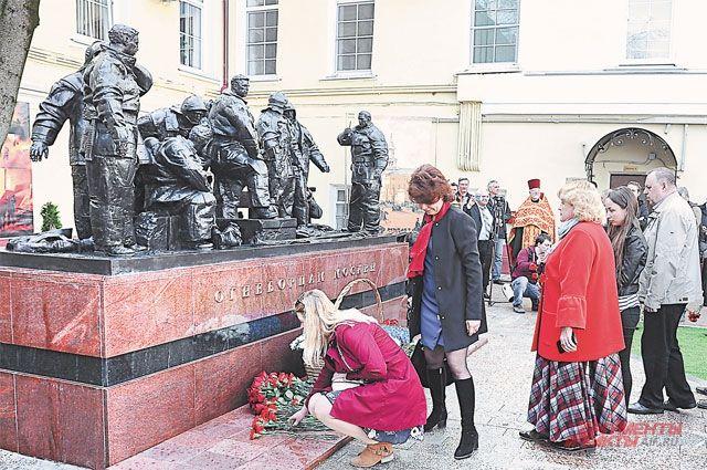 «Огнеборцы Москвы». Где появился новый памятник пожарным?