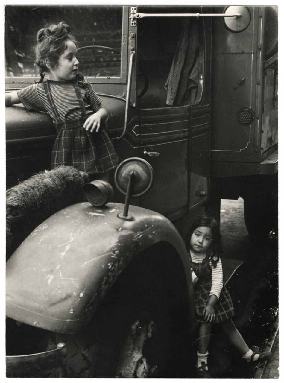 Уличная жизнь Нью-Йорка с 1930-х до 80-х годов в фотографиях Элен Левитт 5