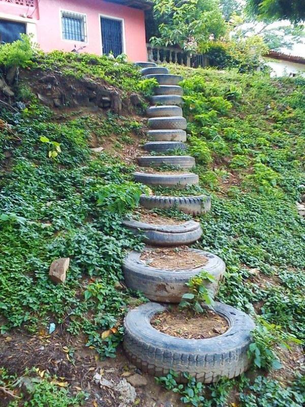 лестница из покрышек