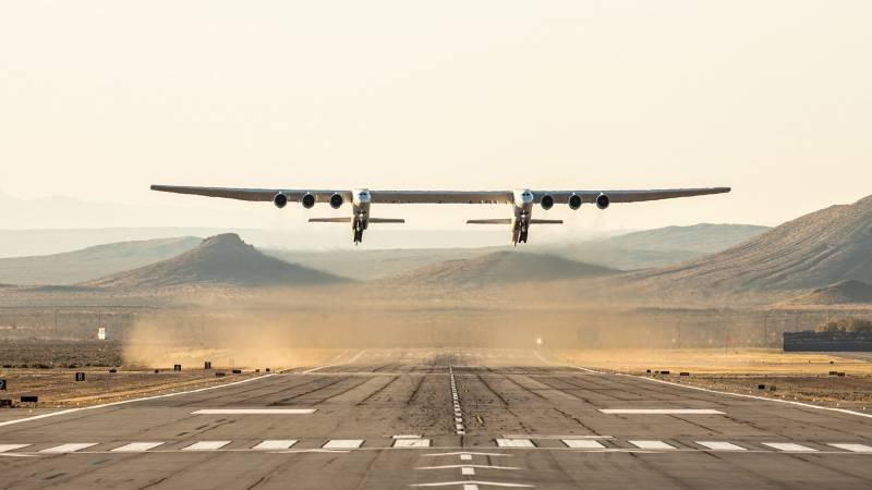 Самый большой самолёт в мире: Stratolaunch вернулся в небо