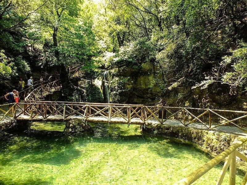 Удивительная долина в Греции, сплошь покрытая бабочками бабочки,Греция,Родос