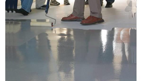 лак для бетонного пола фото