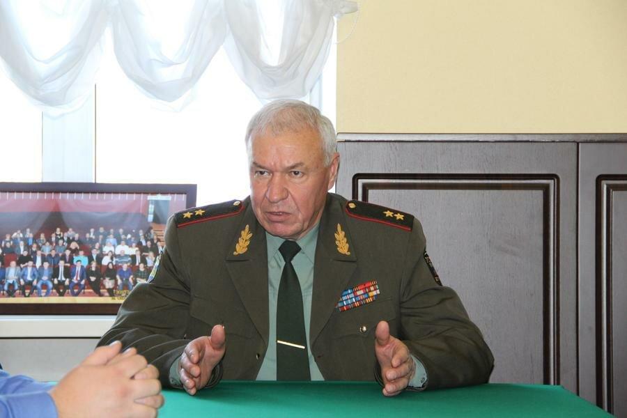 Генерал В.Соболев   фото: Яндекс.Картинки