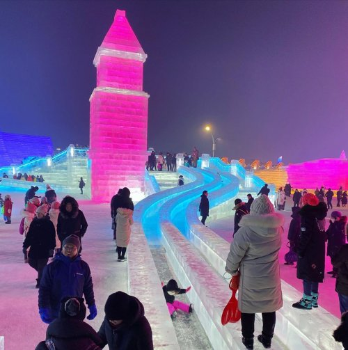 Потрясающие фотографии с Харбинского фестиваля снежных и ледяных скульптур 2019