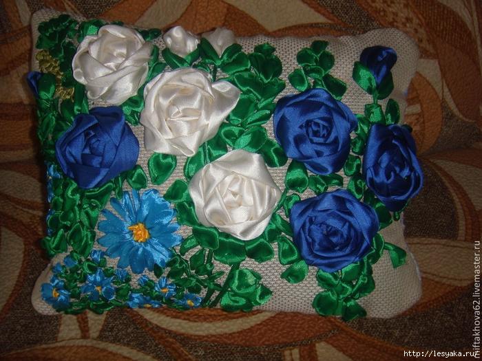 Наволочка «Цветочная поляна» своими руками + идеи для декора центре, можно, несколько, подушку, бусинами, расстоянии, забывайте, кружочек, цветочки, цвета, свечу, наволочку, украсить, кружочки, наволочке, должны, пришиваем, Заканчивается, использовать, бусинок