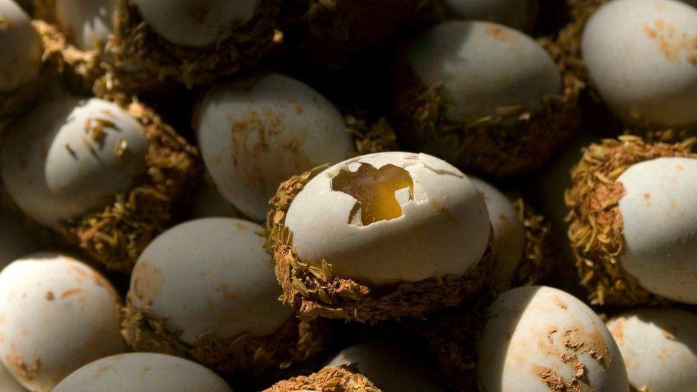 """Столетние"" яйца"