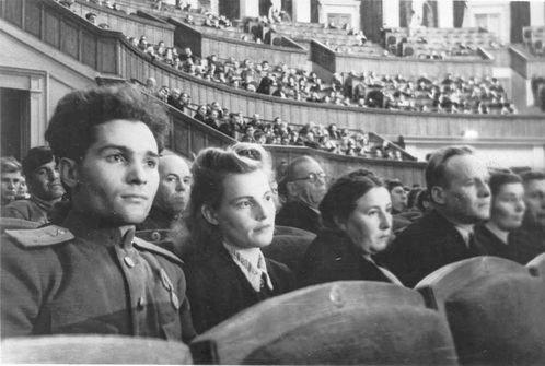 В Новосибирске вышел документальный военный фильм о вкладе города в победу в Великой Отечественной войне