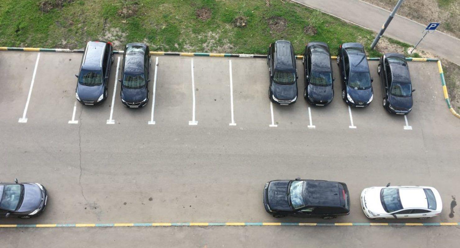 Как правильно ставить автомобиль на перпендикулярной парковке Автомобили