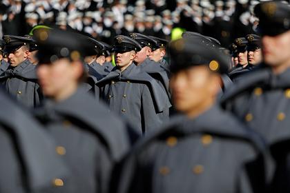 Попытка США уравнять женщин и мужчин в армии провалилась Мир