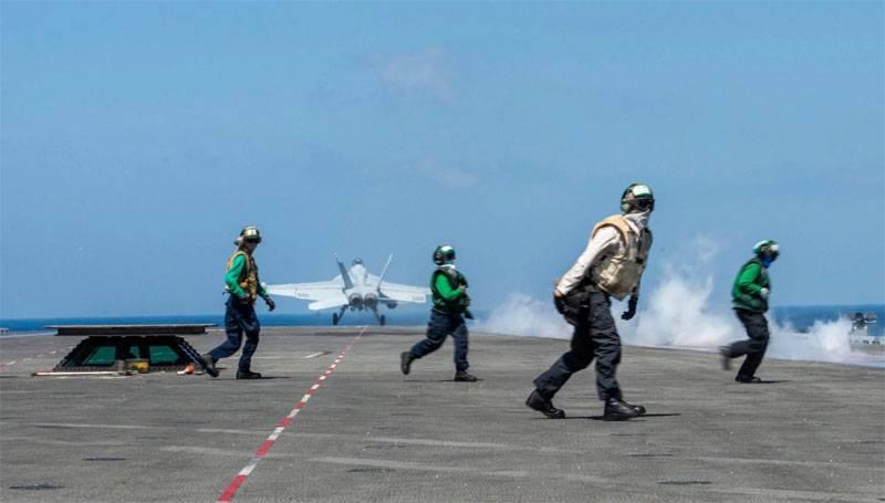 """В Китае: авианосец """"Рональд Рейган"""" попал в ловушку в Южно-Китайском море"""