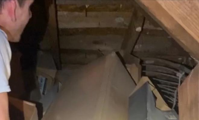 Мужчина купил дом 1900 года и нашел запечатанный вход на чердак, который не открывали почти 100 лет Культура
