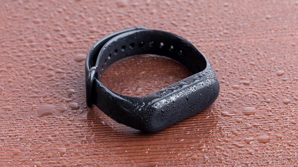 Фитнес-браслет помог раскрыть измену