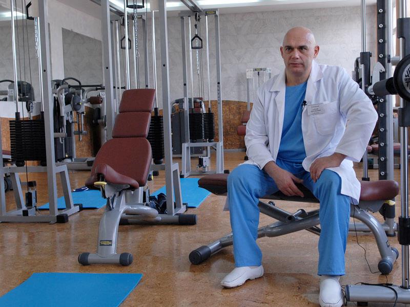 Сергей Бубновский: Болит позвоночник? Откажитесь от компрессов и займитесь гимнастикой!