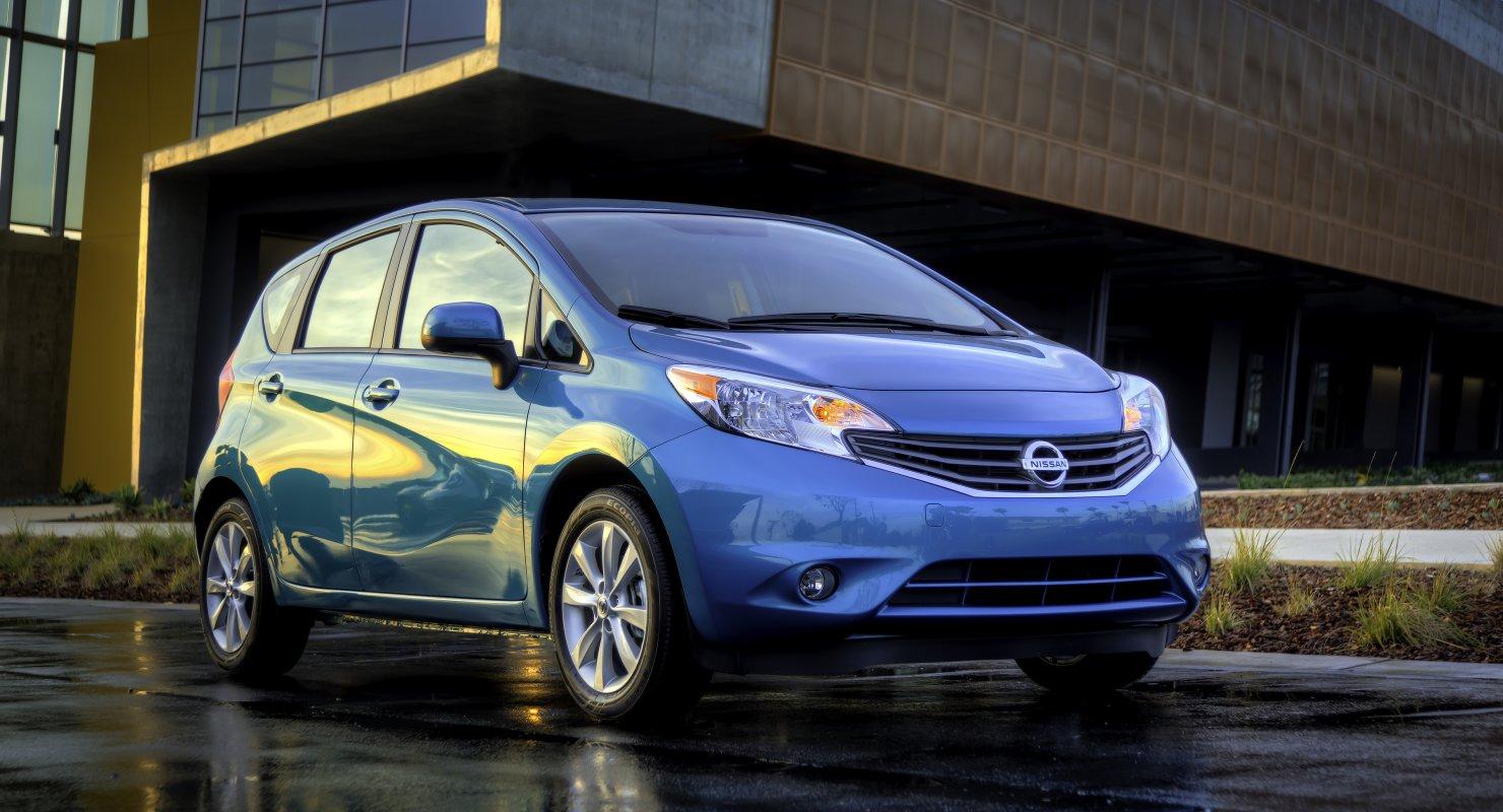Nissan Versa Note: Компактвен для максималиста Автомобили