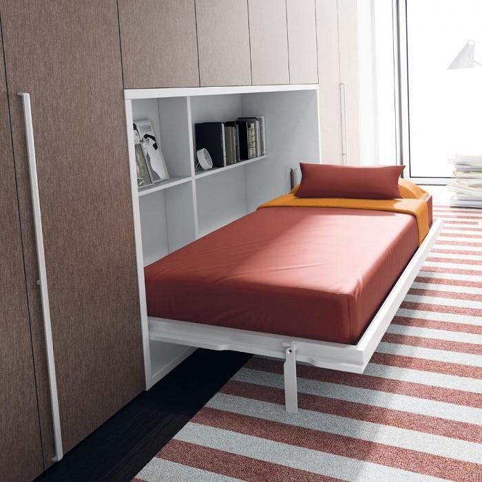 Многофункциональная кровать- трансформер, спрятанная в шкафу.