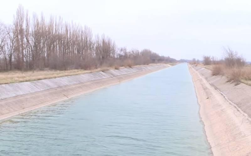 Вода в Крым может поступить при уступке Россией части полуострова, считают в Киеве