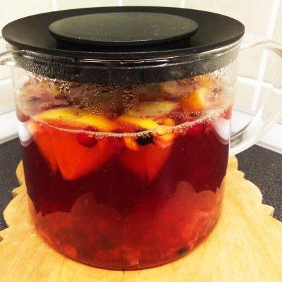 Чай с ягодами, апельсином и имбирем - рецепт с фото