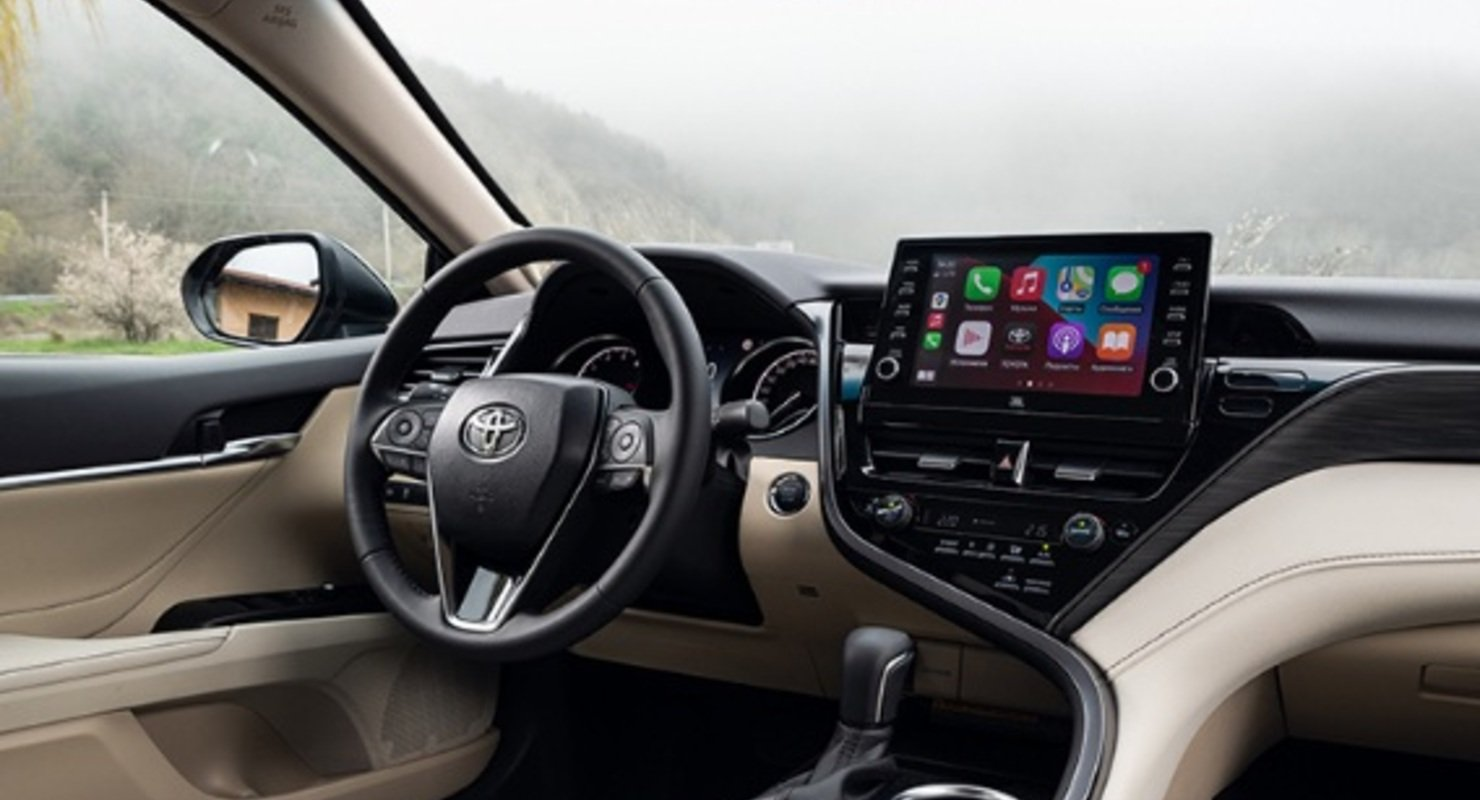Японцы делают вещи: как Toyota Camry стала одним из самых культовых бизнес-седанов Автомобили