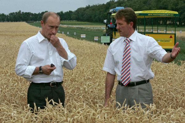Путин убил российское село, а теперь замахнулся на европейских и американских аграриев