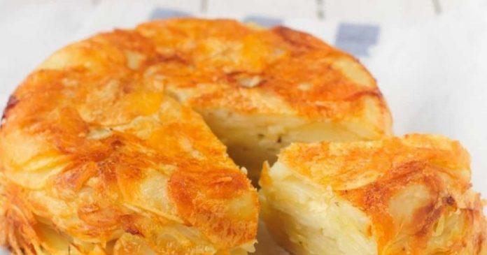 Вкуснейшая картофельная запеканка с сыром: хрустящая корочка покорит и влюбит всех без исключения