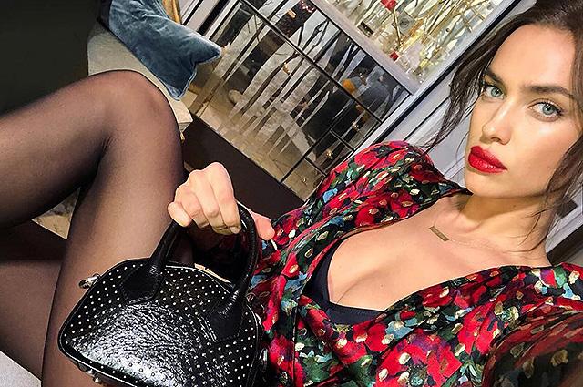 Ирина Шейк поделилась в соцсети рекламным снимком в ярком образе