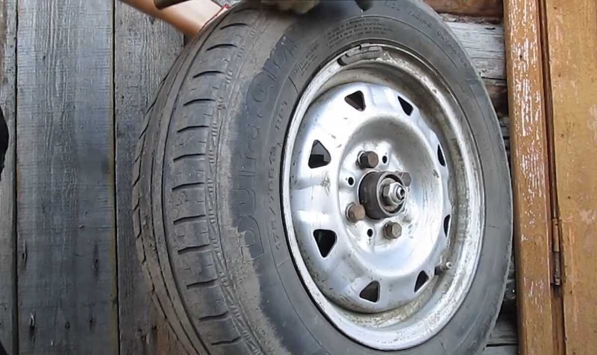 Сделал балансировочный станок для колёс всего за 1000 рублей
