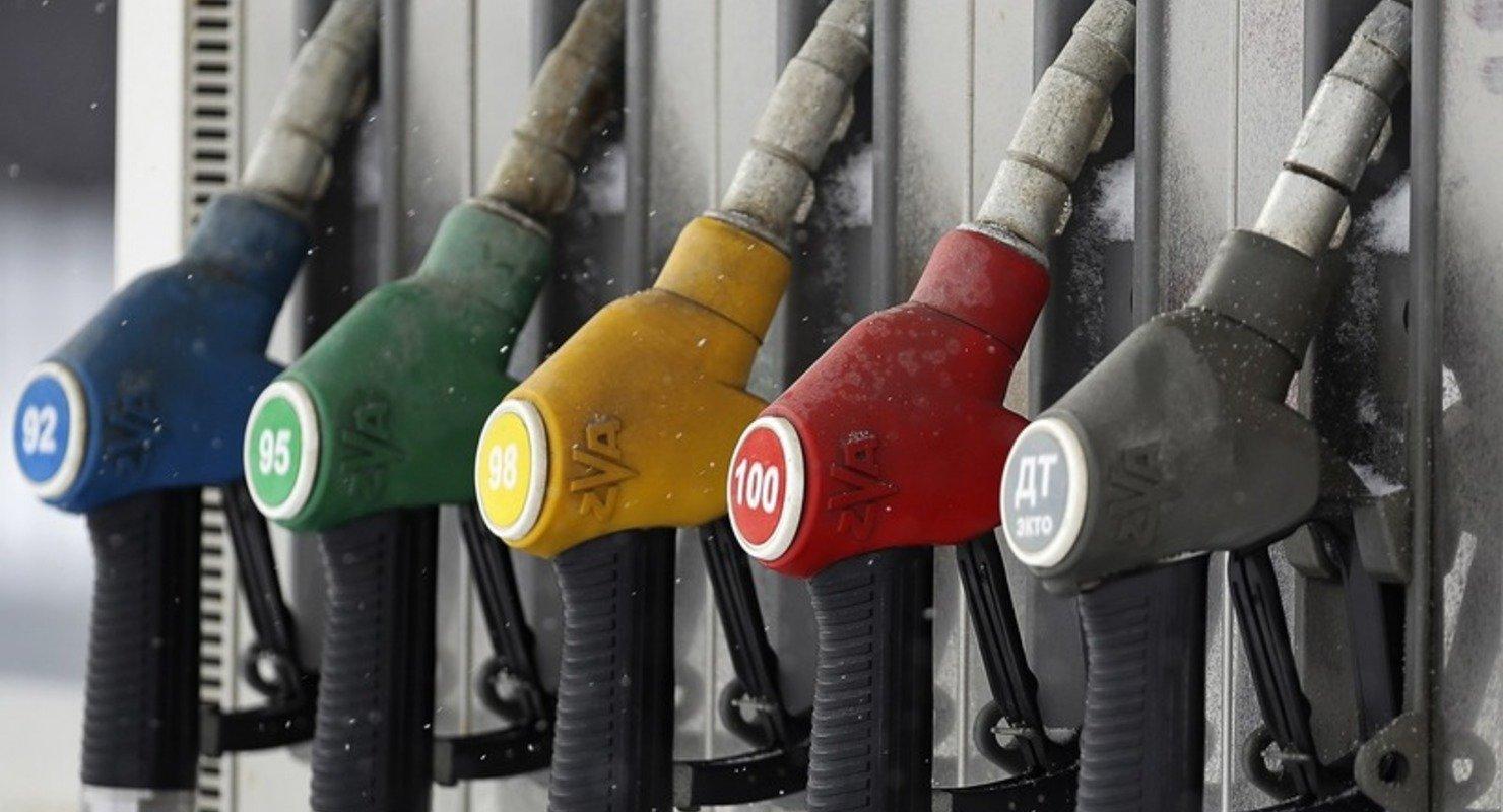 На АЗС появится инструкция для расшифровки паспорта качества топлива Автомобили