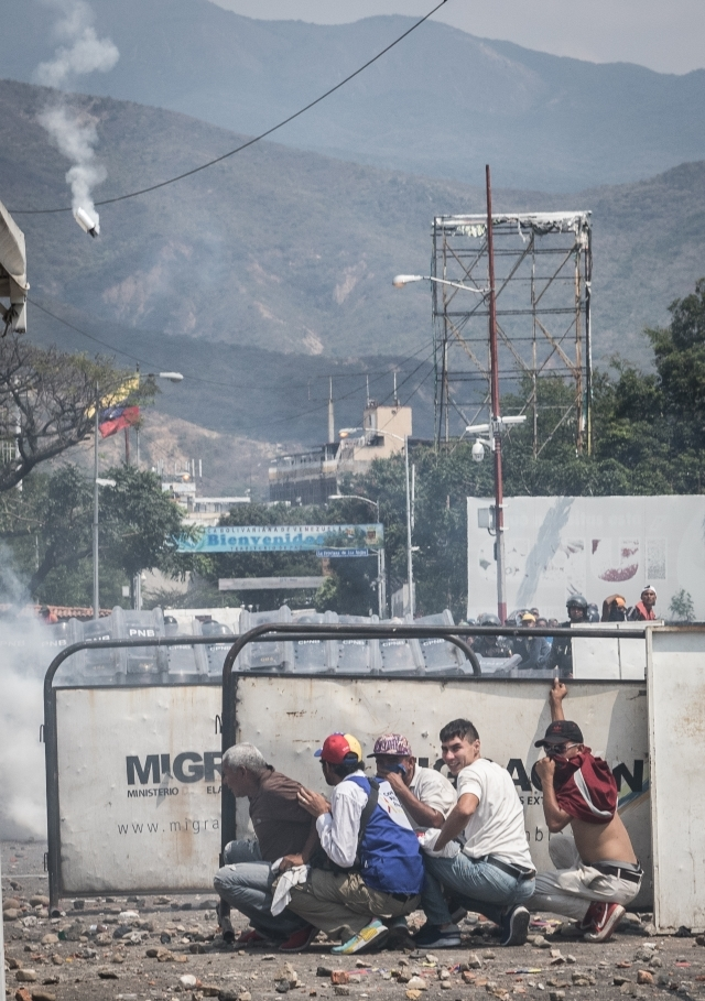 «Мы самый крупный нефтяной резерв мира, а наши люди едят из мусорных баков»