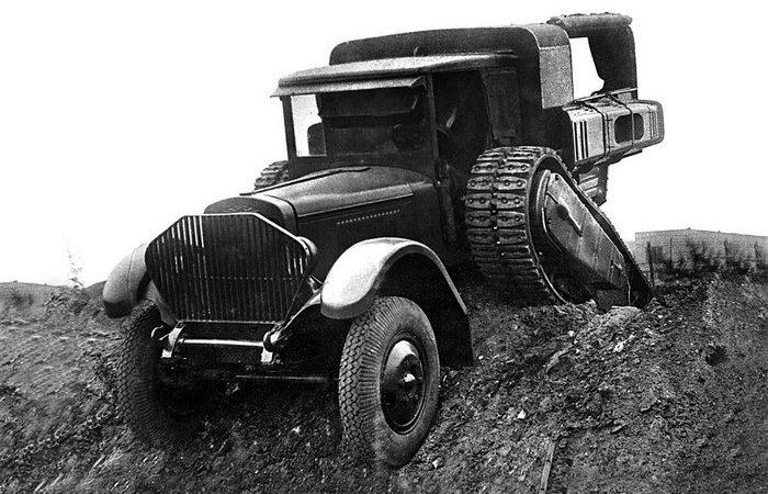 Тормоза придумали капиталисты! Почему в последнем советском гусеничном грузовике ЗИС-42 не было тормоза