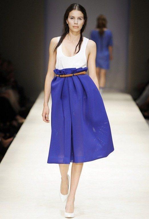 Синяя юбка — незаменимая деталь для настоящей модницы лучшее,мода,модные советы,Наряды