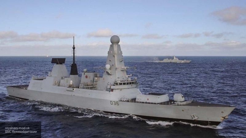 Великобритания направила еще один военный корабль в Ормузский пролив