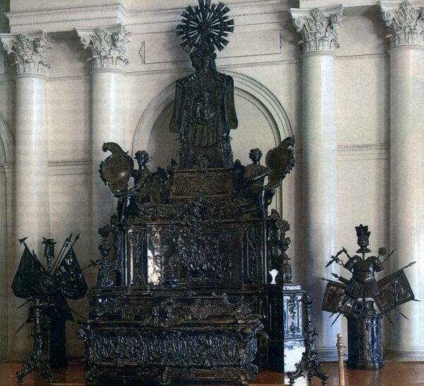Уникальная рака Александра Невского. / Фото: www.golos.io
