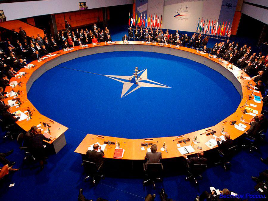 В НАТО обратились к России с жестким требованием