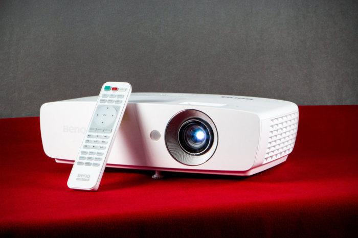 Портативные проекторы, которые полностью оправдывают звание «карманного кинотеатра»